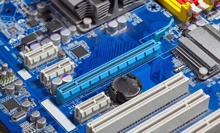sostituzione scheda madre supporto tecnico informatico